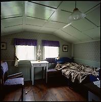 Bedroom in the old farm at Vigur in Ísafjarðardjúp. Súðavíkurhreppur. Svefnherbergi í gamla bænum á Vigur í Ísafjarðardjúpi, Súðavíkurhrepp.<br />