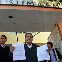 Toluca, México.- Luis Zamora Calzada, secretario general del SUMAEM solicito la intervención urgente de CODHEM por la violación de sus derechos laborales por parte de autoridades de educación estatales y el presidente del Tribunal Estatal de Conciliación y Arbitraje del Estado de México, al  negarse el pago de su salario de algunos maestros desde el 21 de marzo  de 2014. Agencia MVT / Crisanta Espinosa