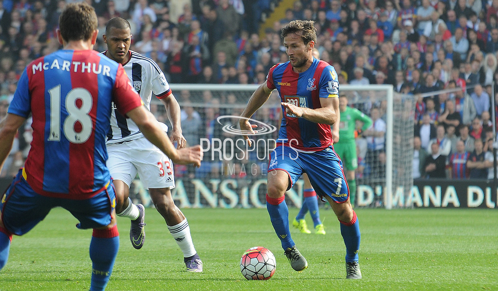 Yohan Cabaye on a run during the Barclays Premier League match between Crystal Palace and West Bromwich Albion at Selhurst Park, London, England on 3 October 2015. Photo by Michael Hulf.