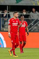 DEN HAAG - ADO Den Haag - FC Twente , Voetbal , Seizoen 2015/2016 , Eredivisie , Kyocera Stadion , 04-03-2016 , FC Twente speler Hakim Ziyech (l) en FC Twente speler Kamohelo Mokotjo (r) zijn teleurgesteld