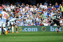 Queens Park Rangers' Leroy Fer scores to make it 2-1 - Photo mandatory by-line: Dougie Allward/JMP - Mobile: 07966 386802 - 16/05/2015 - SPORT - football - London - Loftus Road - QPR v Newcastle United - Barclays Premier League