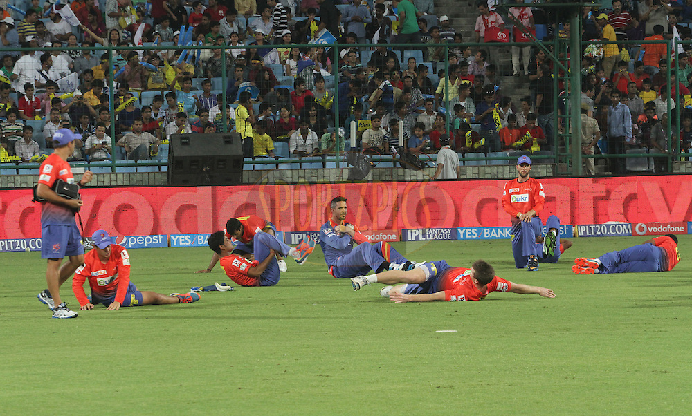 Delhi Daredevils players on ground before match 26 of the Pepsi Indian Premier League Season 2014 between the Delhi Daredevils and the Chennai Superkings held at the Ferozeshah Kotla cricket stadium, Delhi, India on the 5th May  2014<br /> <br /> Photo by Arjun Panwar / IPL / SPORTZPICS<br /> <br /> <br /> <br /> Image use subject to terms and conditions which can be found here:  http://sportzpics.photoshelter.com/gallery/Pepsi-IPL-Image-terms-and-conditions/G00004VW1IVJ.gB0/C0000TScjhBM6ikg