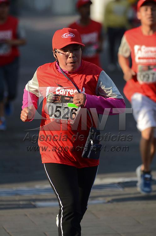 Toluca, México.- Cientos de corredores se dieron cita por las principales avenidas de la capital mexiquense en la primer carrera atlética construyendo un mañana con causa 5 km. Agencia MVT / Arturo Hernández.