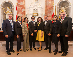 28.03.2018, Altes Landhaus, Innsbruck, AUT, konstituierende Sitzung, Tiroler Landtag, im Bild v.l.: Landesrat Bernhard Tilg (ÖVP), Landesrätin Patrizia Zoller-Frischauf (ÖVP), Landesrätin Beate Palfrader (ÖVP), Landeshauptmann Günther Platter (ÖVP), Landeshauptmann-Stellvertreterin Ingrid Felipe (GRÜNE), Landeshauptmann-Stellvertreter Josef Geisler (ÖVP), Landesrätin Gabi Fischer (GRÜNE) und Landesrat Johannes Tratter (ÖVP) // during the inaugural session of the Tyrolean state parliament at the Altes Landhaus in Innsbruck, Austria on 2018/03/28. EXPA Pictures © 2018, PhotoCredit: EXPA/ Jakob Gruber