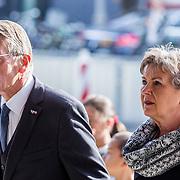 NLD/Amsterdam/20171014 - Besloten erdenkingsdienst overleden burgemeester Eberhard van der Laan, Piet Hein Donner en partner Marisa