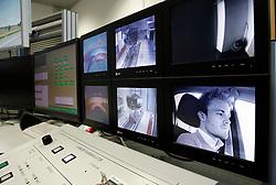 Motorsports / Formula 1: World Championship 2011, Besuch Nico Rosberg besucht in Sindelfingen das Entwicklungszentrum im Technologie Werk, hier ist er bei dem Handling Simulator