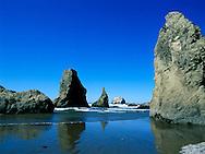 Bandon, Oregon's famous sea stacks
