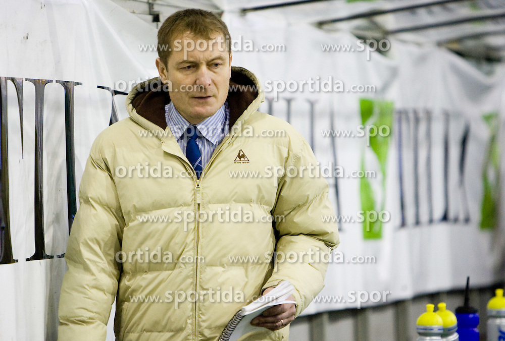 Coach of Olimpija Hannu Jarvenpaa during 52nd Round of EBEL league ice-hockey match between HDD Tilia Olimpija, Ljubljana and EV Vienna Capitals, on February 7, 2010 in Arena Tivoli, Ljubljana, Slovenia. Vienna defeated Olimpija 8-2. (Photo by Vid Ponikvar / Sportida)