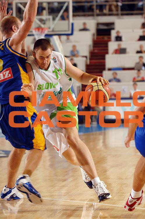DESCRIZIONE : Belgrado Eurobasket Men 2005 Bosnia Herzegovina-Slovenia<br /> GIOCATORE : Lorbek<br /> SQUADRA : Slovenia<br /> EVENTO : Eurobasket Men 2005 Campionati Europei Uomini 2005<br /> GARA : Bosnia Herzagovina Slovenia<br /> DATA : 16/09/2005<br /> CATEGORIA :<br /> SPORT : Pallacanestro<br /> AUTORE : Ciamillo&amp;Castoria/Fiba Europe Pool