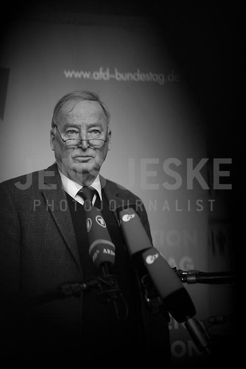 DEU, Deutschland, Germany, Berlin, 16.01.2018: Der Vorsitzende der AfD-Bundestagsfraktion, Alexander Gauland (MdB, Alternative für Deutschland, AfD), bei einem Pressestatement vor Beginn der Fraktionssitzung der AfD-Fraktion im Deutschen Bundestag.