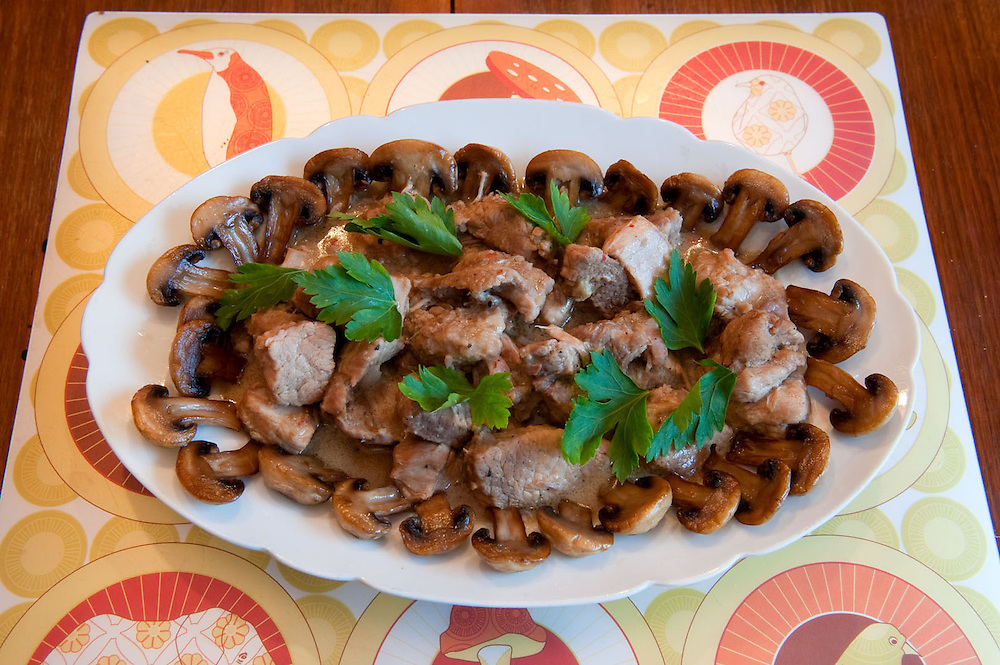 Beef with mushrooms<br /> Serves 3<br /> Ingredients:  500gr beef stew meat<br />  3 cloves garlic<br />  1 glass of water<br />  3 tablespoons olive oil<br />  1 tablespoon lemon juice<br />  &frac14; teaspoon salt<br />  &frac14; teaspoon black pepper<br />  300gr mushrooms<br />  <br /> Preparation:<br />  Chop the garlic into fine pieces<br />  Chop the meat into small cubes<br />  In a saucepan mix them all together and simmer for 1hr<br />  Cut the mushrooms in halves<br />  In a separate pan heat 1 tablespoon of oil and then add the mushrooms. Cook until tender.