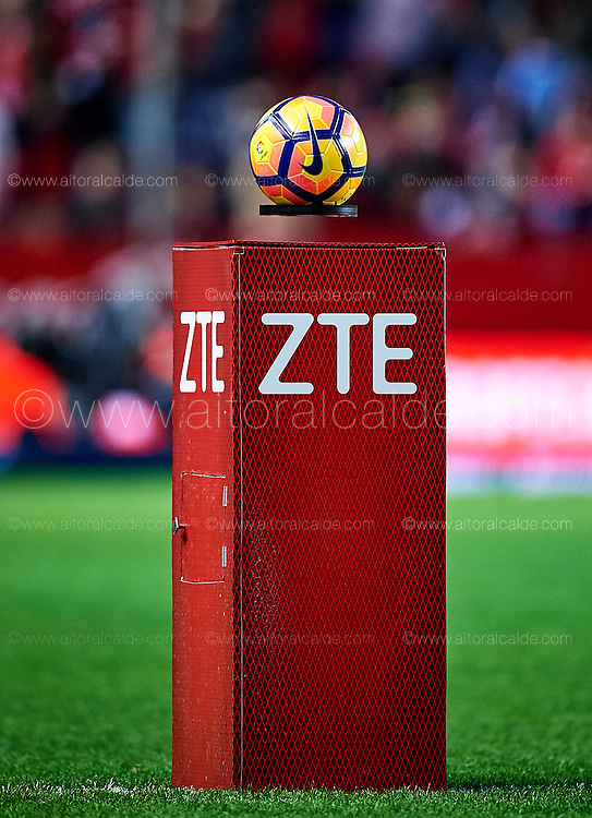 SEVILLE, SPAIN - NOVEMBER 26:  detail of the ball during the La Liga match between Sevilla FC and Valencia CF at Estadio Ramon Sanchez Pizjuan on November 26, 2016 in Seville, Spain.  (Photo by Aitor Alcalde Colomer/Getty Images)