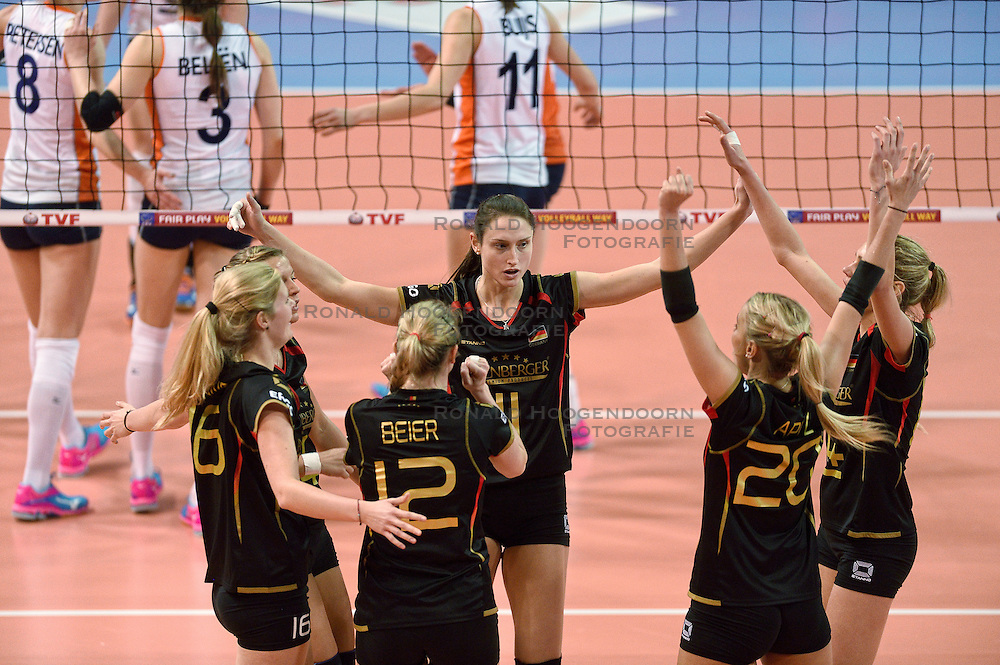 04-01-2016 TUR: European Olympic Qualification Tournament Nederland - Duitsland, Ankara <br /> De Nederlandse volleybalvrouwen hebben de eerste wedstrijd van het olympisch kwalificatietoernooi in Ankara niet kunnen winnen. Duitsland was met 3-2 te sterk (28-26, 22-25, 22-25, 25-20, 11-15) / Christiane Furst #11 of Germany