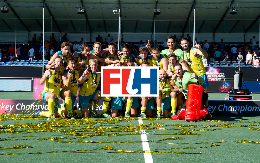 BREDA - Rabobank Hockey Champions Trophy<br /> Final Australia - India<br /> Australia won after shoot outs.<br /> Photo: Team picture Australia.<br /> COPYRIGHT WORLDSPORTPICS FRANK UIJLENBROEK