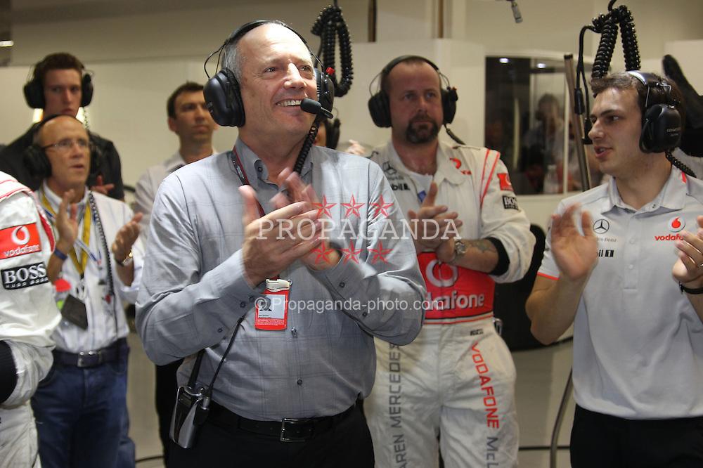 Motorsports / Formula 1: World Championship 2010, GP of Singapore, Ron Dennis (GBR, Vodafone McLaren Mercedes)