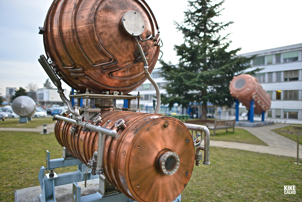 Hersteller Interatom Accelerating Cavity at CERN, the European Organization for Nuclear Research, is the biggest particle physics laboratory in the world.