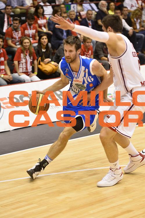 DESCRIZIONE : Campionato 2013/14 Semifinale GARA 1 Olimpia EA7 Emporio Armani Milano - Dinamo Banco di Sardegna Sassari<br /> GIOCATORE : Drake Diener<br /> CATEGORIA : Palleggio penetrazione<br /> SQUADRA : Dinamo Banco di Sardegna Sassari<br /> EVENTO : LegaBasket Serie A Beko Playoff 2013/2014<br /> GARA : Olimpia EA7 Emporio Armani Milano - Dinamo Banco di Sardegna Sassari<br /> DATA : 30/05/2014<br /> SPORT : Pallacanestro <br /> AUTORE : Agenzia Ciamillo-Castoria / GiulioCiamillo<br /> Galleria : LegaBasket Serie A Beko Playoff 2013/2014<br /> Fotonotizia : Campionato 2013/14 Semifinale GARA 1 Olimpia EA7 Emporio Armani Milano - Dinamo Banco di Sardegna Sassari<br /> Predefinita :