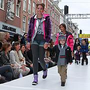 NLD/Amsterdam/20110904 - Grazia PC Catwalk 2011, Emma krajicek - Deckers en Willem Frederiks