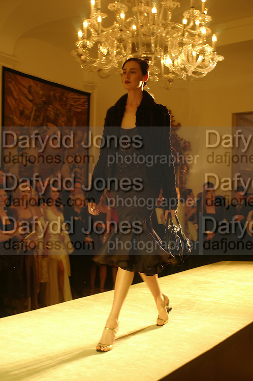 An Evening in honour of Salvatore Ferragamo hosted by the Ambassador of Italy. The Italian Embassy, 4 Grosvenor Square. London W1. 8 June 2005. ONE TIME USE ONLY - DO NOT ARCHIVE  © Copyright Photograph by Dafydd Jones 66 Stockwell Park Rd. London SW9 0DA Tel 020 7733 0108 www.dafjones.com