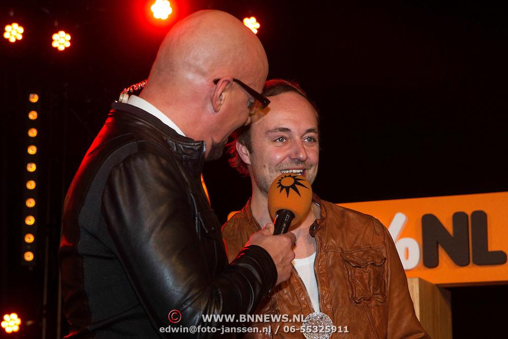 NLD/Amsterdam/20140205 - Uitreiking 100% NL Awards 2013, Maik de Boer en Niels Geusebroek
