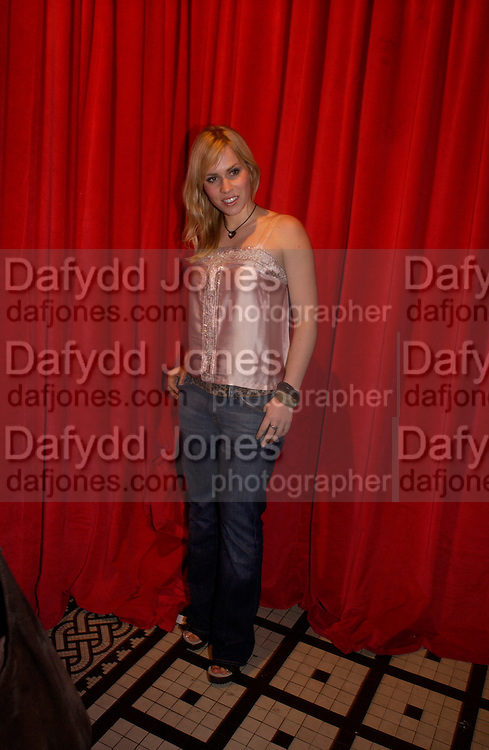 Natasha Bedingfield, Kill Bill part 2. post premiere party. Old In and Out club. Piccadilly, 20 April 2004. ONE TIME USE ONLY - DO NOT ARCHIVE  © Copyright Photograph by Dafydd Jones 66 Stockwell Park Rd. London SW9 0DA Tel 020 7733 0108 www.dafjones.com