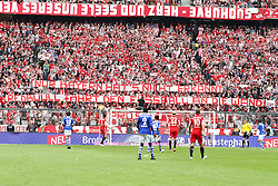 30.04.2011, Allianz Arena, Muenchen, GER, 1.FBL, FC Bayern Muenchen vs FC Schalke 04 , im Bild Fanaktion , EXPA Pictures © 2011, PhotoCredit: EXPA/ nph/  Straubmeier       ****** out of GER / SWE / CRO  / BEL ******