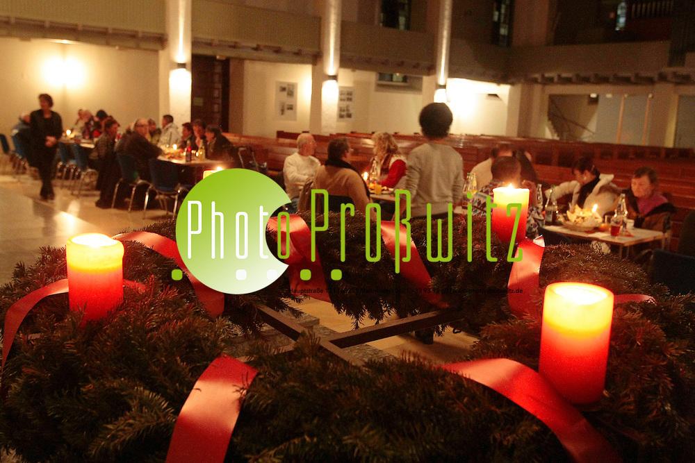 Mannheim. Offene Nacht Konkordienkirche. Heiliger Abned f&cedil;r &quot;Einsame&quot; und Bed&cedil;rftige.<br /> <br /> <br /> <br /> Bild: Markus Proflwitz / masterpress /