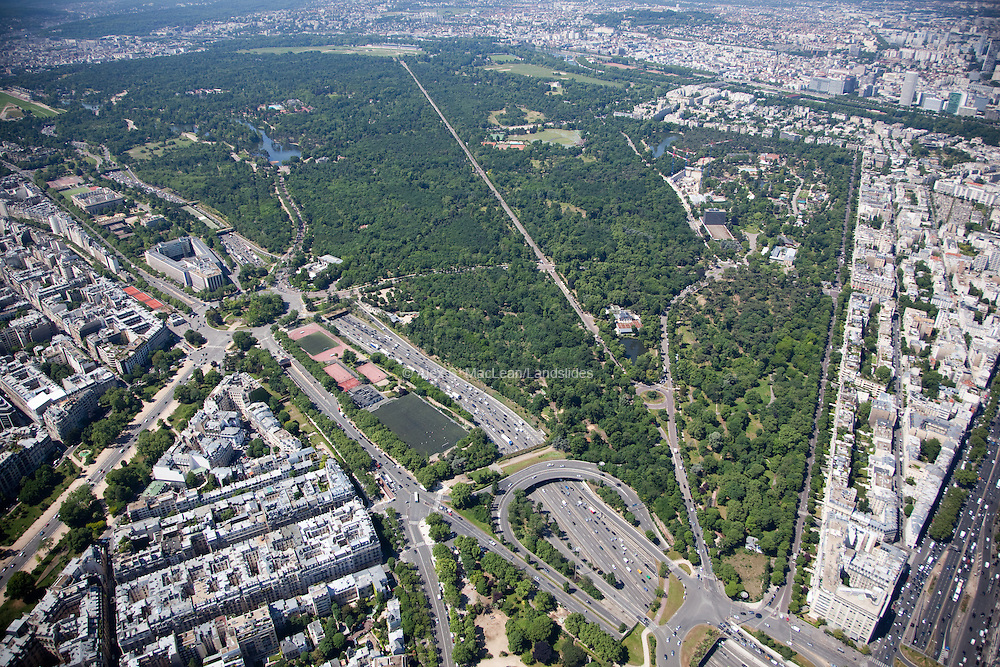 Bois de Boulogne is a large public park located along the western edge of the 16th arrondissement of Paris, near the suburb of Boulogne-Billancourt and Neuilly-sur-Seine.