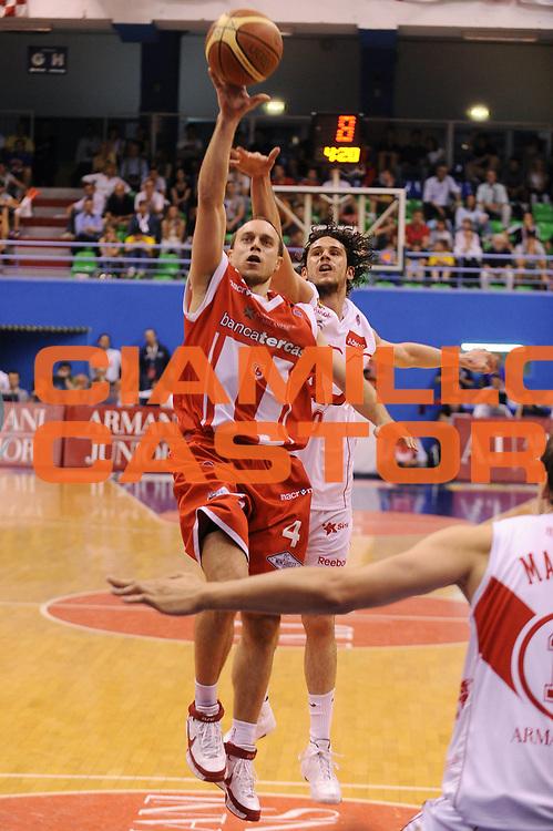 DESCRIZIONE : Milano Lega A 2008-09 Playoff Quarti di finale Gara 2 Armani Jeans Milano Bancatercas Teramo<br /> GIOCATORE : Ryan Hoover<br /> SQUADRA : Bancatercas Teramo<br /> EVENTO : Campionato Lega A 2008-2009<br /> GARA : Armani Jeans Milano Bancatercas Teramo<br /> DATA : 20/05/2009<br /> CATEGORIA : tiro<br /> SPORT : Pallacanestro<br /> AUTORE : Agenzia Ciamillo-Castoria/A.Dealberto