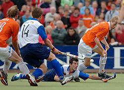 05-06-2005 HOCKEY: FINALE PLAYOFFS: BLOEMENDAAL-ORANJE ZWART: BLOEMENDAAL<br /> De hockeyers van Oranje Zwart zijn voor het eerst in hun bestaan landskampioen geworden. De Eindhovense club klopte Bloemendaal in het beslissende play-off-duel met 3-1 / <br /> Marcel Balkenstein<br /> ©2005-WWW.FOTOHOOGENDOORN.NL