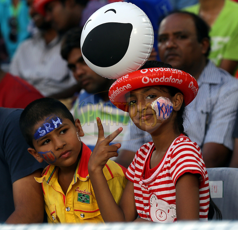 Kid's during match 39 of the Pepsi Indian Premier League Season 2014 between the Sunrisers Hyderabad and the Kings XI Punjab held at the Rajiv Gandhi Cricket Stadium, Hyderabad, India on the 14th May  2014<br /> <br /> Photo by Sandeep Shetty / IPL / SPORTZPICS<br /> <br /> <br /> <br /> Image use subject to terms and conditions which can be found here:  http://sportzpics.photoshelter.com/gallery/Pepsi-IPL-Image-terms-and-conditions/G00004VW1IVJ.gB0/C0000TScjhBM6ikg