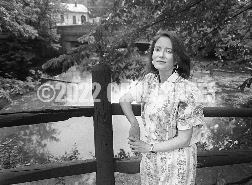Actress Eve Plumb, best known for her role as Jan Brady in The Brady Bunch,  poses for a photograph at the Bucks County Playhouse Monday June 10, 1991 in New Hope, Pennsylvania.  (Photo by William Thomas Cain)