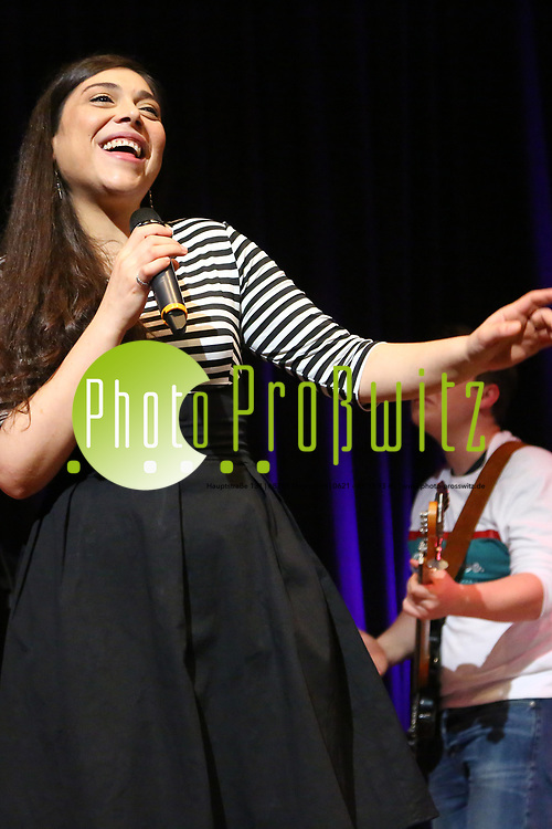 Mannheim. 20.05.17 | Kulturhaus, Konzert<br /> K&auml;fertal. Kulturhaus. Das Fest im Kulturhaus Die Party. <br /> - Tatma2Soul<br /> <br /> BILD- ID 0017 |<br /> Bild: Markus Prosswitz 20MAY17 / masterpress (Bild ist honorarpflichtig - No Model Release!)