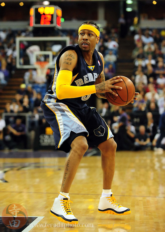 November 2, 2009; Sacramento, CA, USA; Memphis Grizzlies guard Allen Iverson (3) looks to pass the ball during the first quarter against the Sacramento Kings at Arco Arena. The Kings defeated the Grizzlies 127-116 in overtime. Mandatory Credit: Kyle Terada-Terada Photo