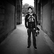 Paris - Place des Vosges - Juin 2012 - Jeune étudiant