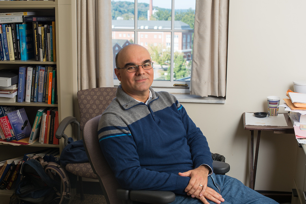 Roberto Duncan, Assistant Professor of Economics