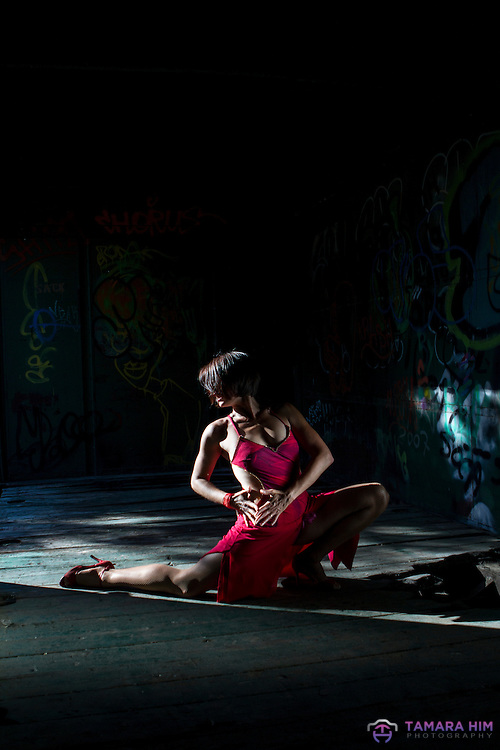 Performance dance with the Argentinian Tango Dancer {Natalia Vicente}. Madrid. Spain. ©Tamara Him.