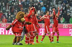 02.02.2014, Allianz Arena, Muenchen, GER, 1. FBL, FC Bayern Muenchen vs Eintracht Frankfurt, 19. Runde, im Bild vl: Bayern-Maskottchen, Philipp Lahm (FC Bayern Muenchen), Arjen Robben (FC Bayern Muenchen), Dante (FC Bayern Muenchen), Diego Contento (FC Bayern Muenchen), Mario Mandzukic (FC Bayern Muenchen), Thiago Alcantara (FC Bayern Muenchen) // during the German Bundesliga 19th round match between FC Bayern Munich and Eintracht Frankfurt at the Allianz Arena in Muenchen, Germany on 2014/02/03. EXPA Pictures &copy; 2014, PhotoCredit: EXPA/ Eibner-Pressefoto/ Stuetzle<br /> <br /> *****ATTENTION - OUT of GER*****