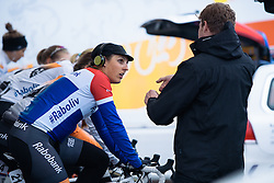Lucinda Brand warms up with her Rabo Liv teammates - Energiewacht Tour 2016 - Stage 1. A 11.3km team time trial starting and finishing in Groningen.