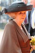 Koningin Beatrix heropent het Rijksmuseum na een verbouwing van bijna tien jaar.<br /> <br /> Queen Beatrix reopens the the Rijksmuseum after renovations of almost ten years.<br /> <br /> Op de foto / On the photo:  Aankomst Koningin Beatrix / Arrival of Queen Beatrix