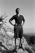 """07-10-1960. Actress Sophia Loren on the set of the movie """"La Ciociara"""" (""""Two Women"""") directed by Vittorio De Sica / 07-10-1960. L'attrice Sophia Loren sul set del film """"La Ciociara"""" diretto da Vittorio De Sica - Marcello Mencarini Historical Archives"""