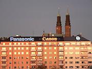Högalidskyrkans torn från Liljeholmsbron.