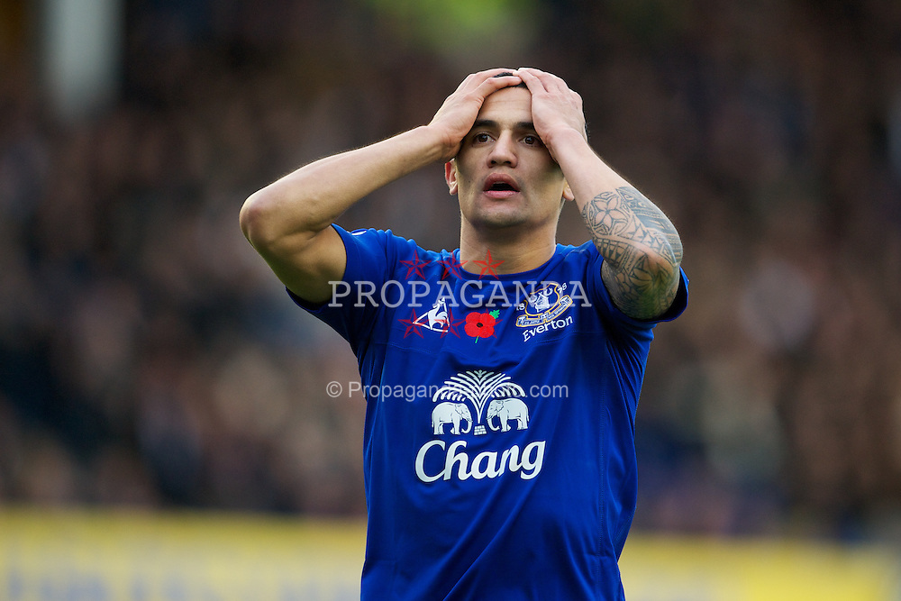 LIVERPOOL, ENGLAND - Sunday, November 14, 2010: Everton's Tim Cahill rues a missed chance against Arsenal during the Premiership match at Goodison Park. (Photo by: David Rawcliffe/Propaganda)
