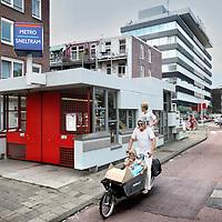 Nederland, Amsterdam , 14 juli 2010..Wegens verbouwing zijn een aantal metrostations tussen Centraal en Amsterdam Amstel gesloten..Foto:Jean-Pierre Jans