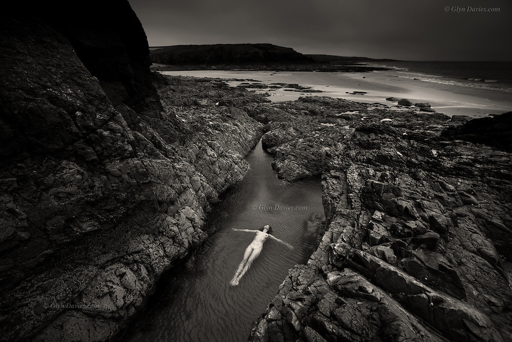 Honourable Mention in 10th Annual Black & White Spider Awards<br />