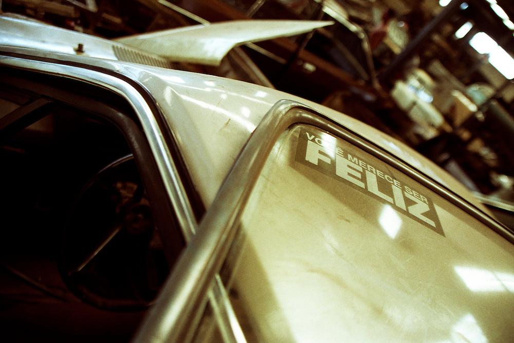 Belo Horizonte_MG, Brasil...Carro em um ferro velho em Belo Horizonte...A car in the junkyard in Belo Horizonte...Foto: LEO DRUMOND / NITRO