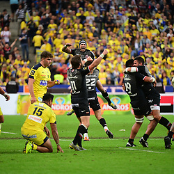 Toulouse celebrate winning the Top 14 Final between Toulouse and Clermont at Stade de France on June 15, 2019 in Paris, France. (Photo by Dave Winter/Icon Sport)
