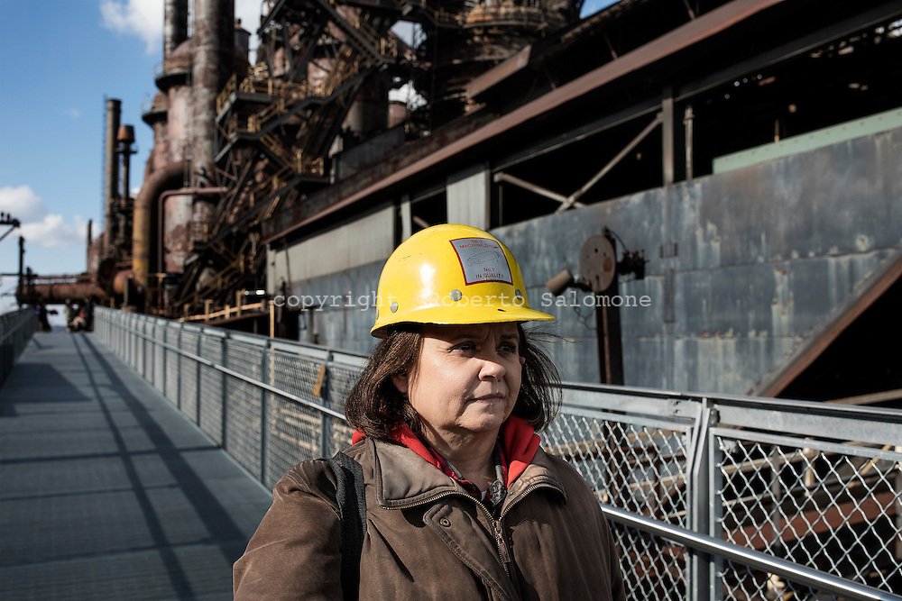 Bethelehm, Pennsylvania - Loretta, guida turistica presso l'ex polo industriale di Bethelehm in Pennsylvania.<br />
