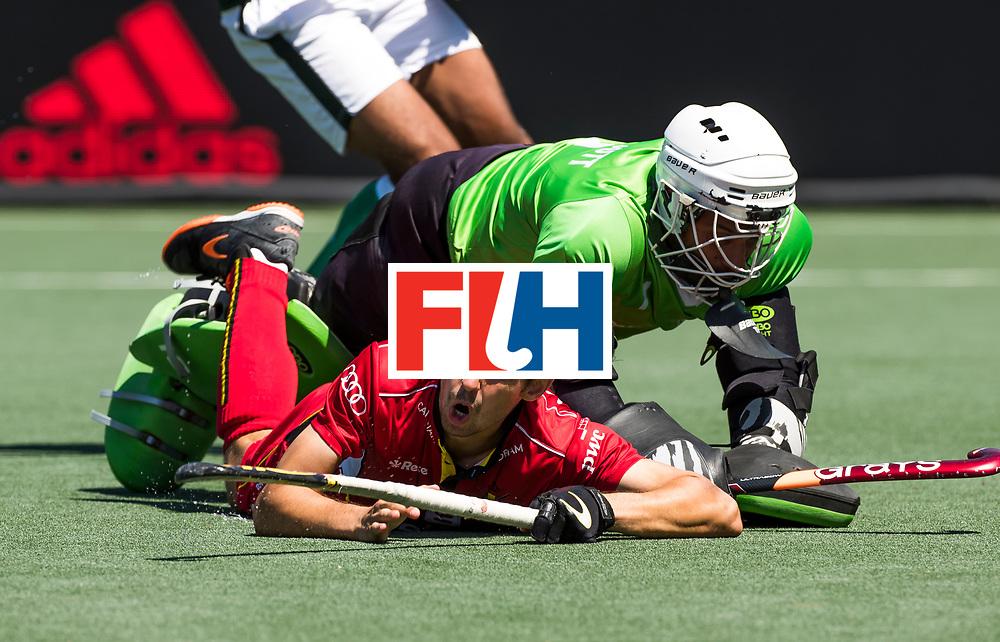 BREDA -  Florent van Aubel (Bel) stuit op Ammad Butt (Pak)  . Belgie-Pakistan om de 5e plaats . Belgie wint shoot-outs. COPYRIGHT  KOEN SUYK