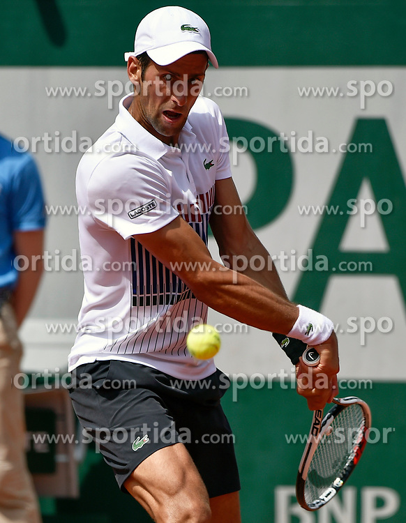31.05.2017, Roland Garros, Paris, FRA, ATP Tour, French Open, im Bild Novak Djokovic (SRB) // during the French Open Tournament of the ATP Tour at the Roland Garros in Paris, France on 2017/05/31. EXPA Pictures © 2017, PhotoCredit: EXPA/ Vianney Thibaut
